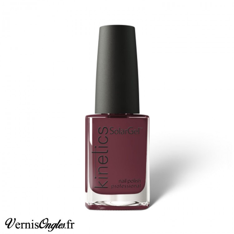 Vernis à ongles Highly Unlikely de la marque Kinetics