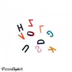 Paillettes en forme de lettre