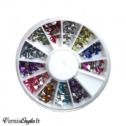 Strass triangles pour les ongles