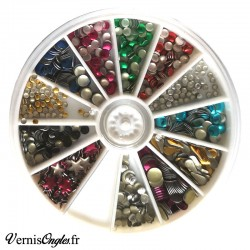 Studs multicolores ongles