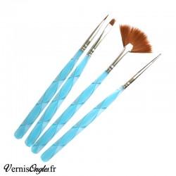 3 pinceaux et 1 dotting tool bleus pour le nail art