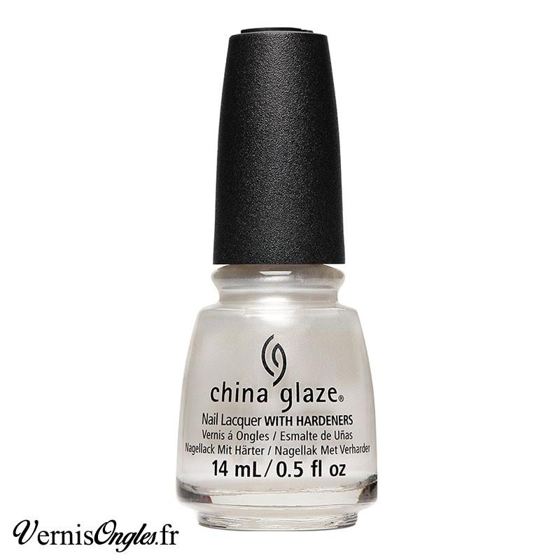 Vernis à ongles Pearl Talk de China Glaze.