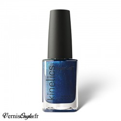 Vernis à ongles Call Me Blue de Kinetics.