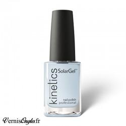 Vernis à ongles Blue Jasmine de Kinetics.