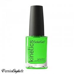Vernis à ongles Oops, Green ! de Kinetics.
